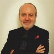 Riccardo Orlandi è autore di libri per MMC Edizioni